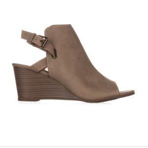 Esprit Peep Toe Sandals